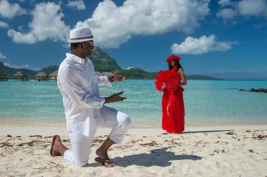 Bora Bora Pearl Beach Resort & Spa: WEDDING VOW RENEWAL 2015