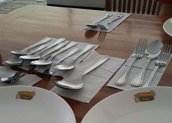 Cara Menata Peralatan Makan Oleh Pramusaji Picture Of Tumbar