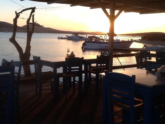 Agios Georgios, Grekland: The end of a beautiful Antiparos island adventure!