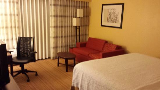 Courtyard North Charleston Airport/Coliseum: Room
