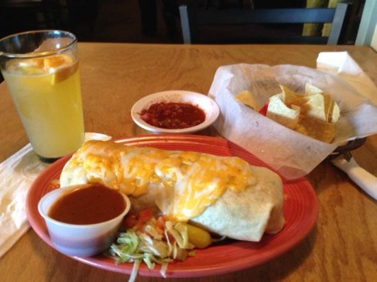 El Papagayos Mexican Restaurant & Cantina: Dinner!