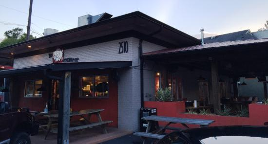 The Original Q Shack: The Q Shack outdoor seating
