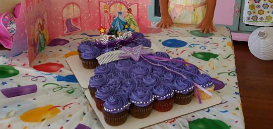 Cupcake Cafe LLC Birthday Princess Cupcakes