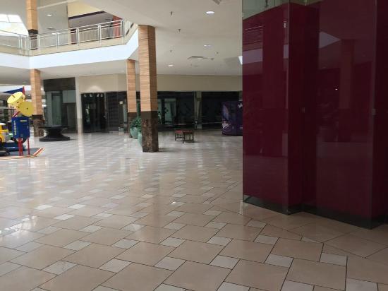 Huntsville, AL: dead mall