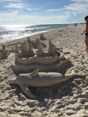 Emerald Isle Resort and Condominiums: Sandcastles on the beach