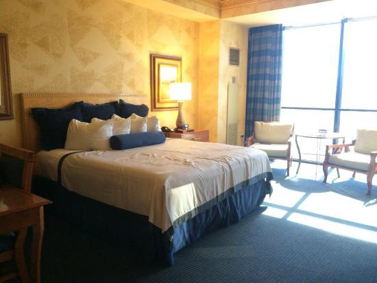 Tower Room Window - Picture of Luxor Hotel & Casino, Las Vegas ...