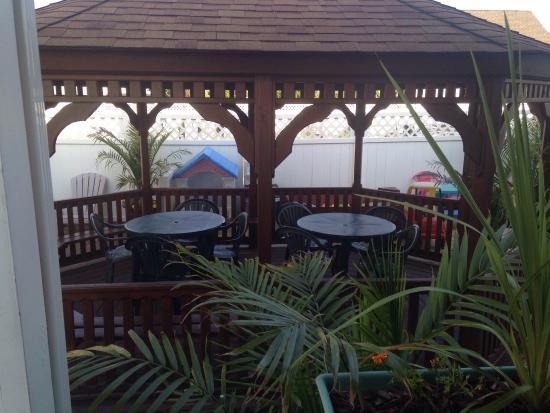 Lorry's Island End Motel: photo1.jpg