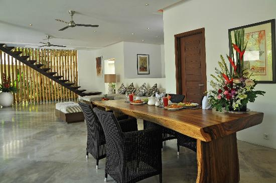 La Sirena 4: The Dining Room