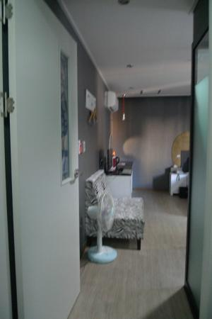 ForU Hotel: Entrance to room