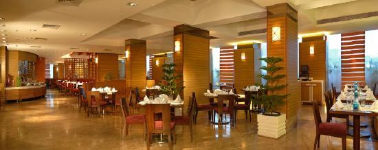 Radisson Mumbai Goregaon: Restaurant