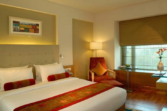 Radisson Mumbai Goregaon: Superior Room