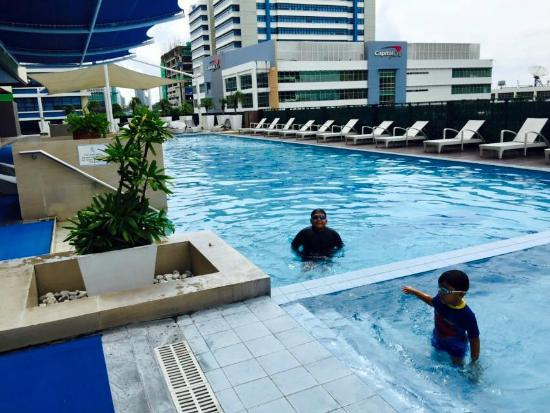 Tower Wing Pool Picture Of The Bellevue Manila Muntinlupa Tripadvisor