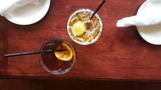 The Cabin: How we started our meal, Front Porch Iced Tea [left] & Pimm's Cup [right]