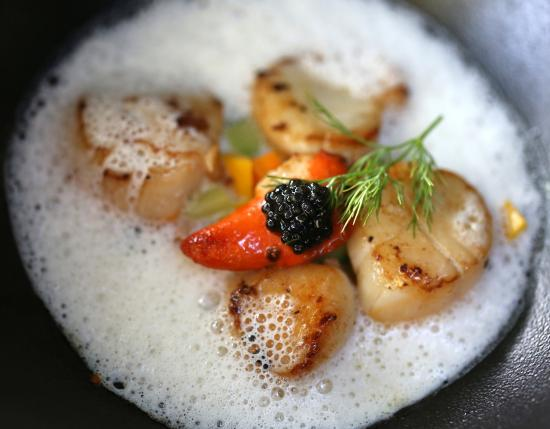 le mas des aigras : perfectly cooked scallops