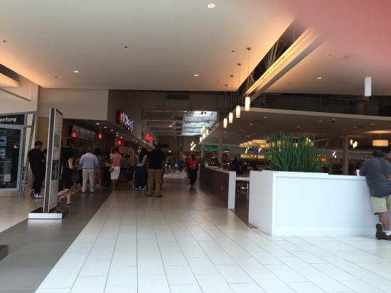 Entrance To Food Court Picture Of The Mills At Jersey Gardens Elizabeth Tripadvisor
