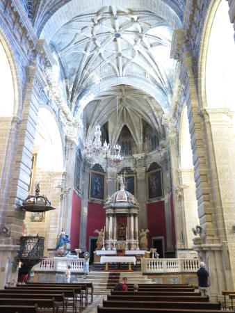Iglesia Mayor Prioral: interior iglesia