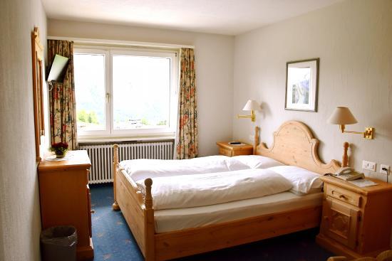 Hotel Salastrains: Zimmer