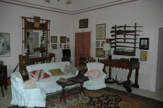 Le salon de la Masseria Murgia Albanese