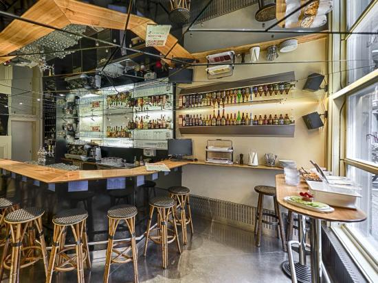 Hotel Weisses Kreuz: Bar mit Frühstücksbuffet