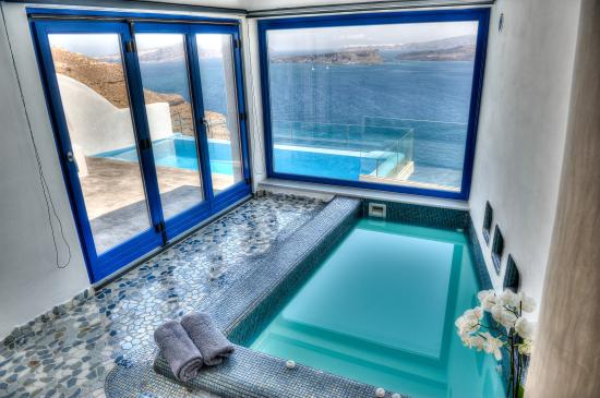 Astarte Suites: Astarte Suite with private Infinity Pool