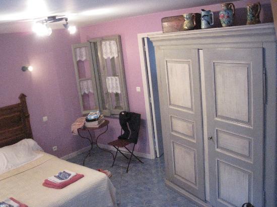 Chambres d'Hotes Saint Nicolas : camera 4 posti letto
