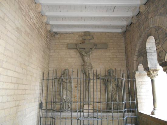 Basilika St. Suitbertus: Cristo Crucificado