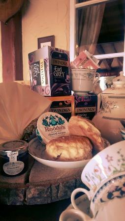 Reedham, UK: Afternoon tea available from 3pm -5pm Mon-Fri