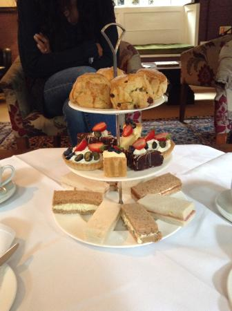 Bridge House: Traditional afternoon tea cooked to perfection