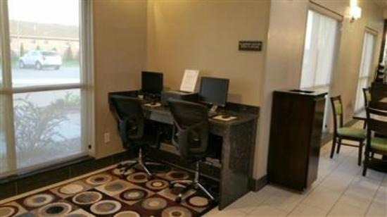 بيست ويسترن إن آند سويتس: Our business center is open 24-hours for printing and computer use. Faxing is available in at th
