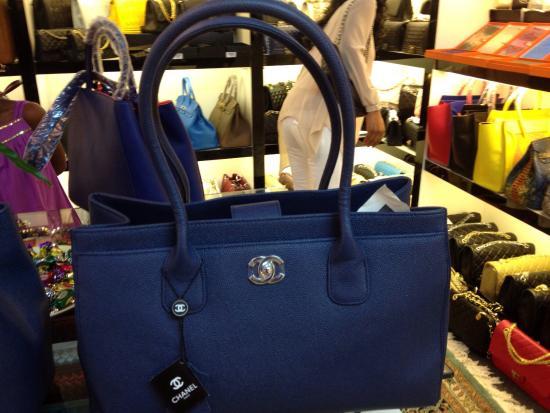 Moschino Каталог сумок от производителя Moschino в