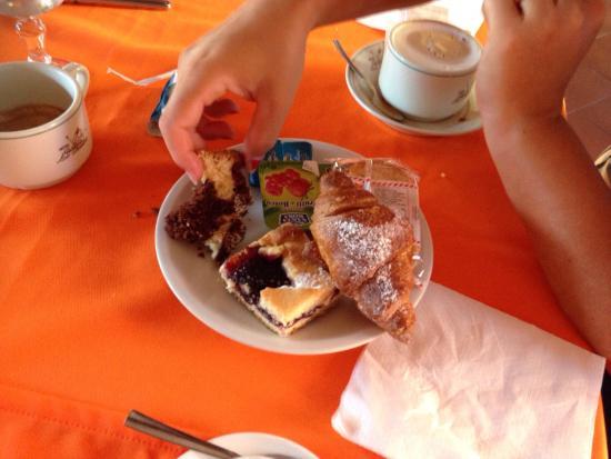 Hotel Lo Sciatore: Colazione super abbondante!!!