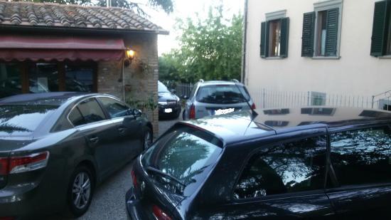 Villa Porta all'Arco: Cortile
