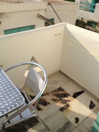 Korali Garden Hotel : Veranda (1)