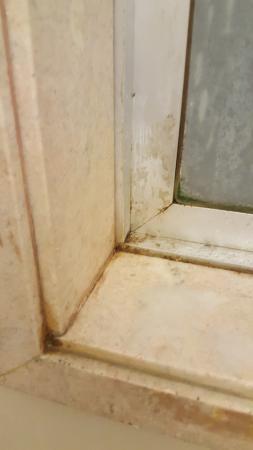 Hotel Granville : Windows are dirty