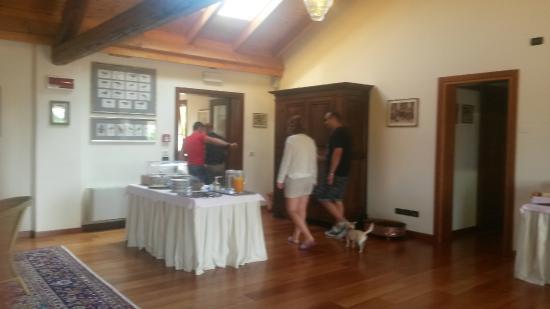 Agriturismo Tenuta Regina: sala colazione