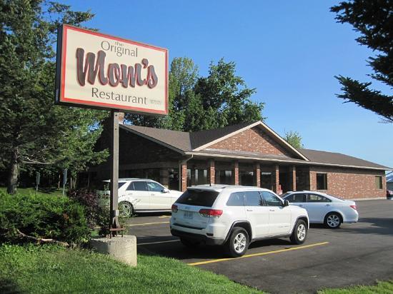 Mom's Restaurant : Just Like Mom's