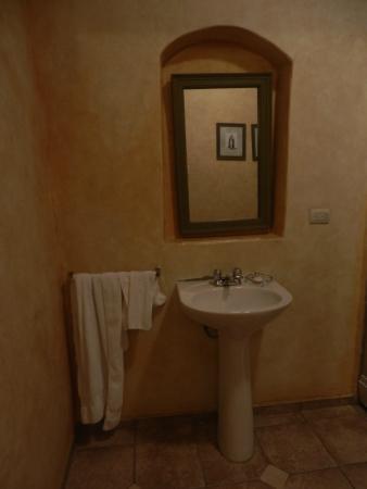 Hotel Casa del Aguila: Dotazione del bagno