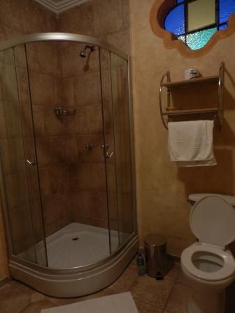 Hotel Casa del Aguila: Dotazione del bagno 1