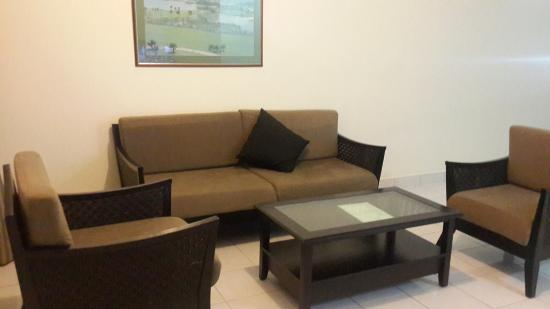 Country Heights Resort: Living hall