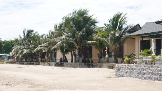 Baan Faa Talaychan: Bungalows Beach view