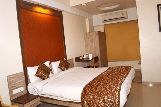 Budget Inn Palm Regency: Classic Room 2