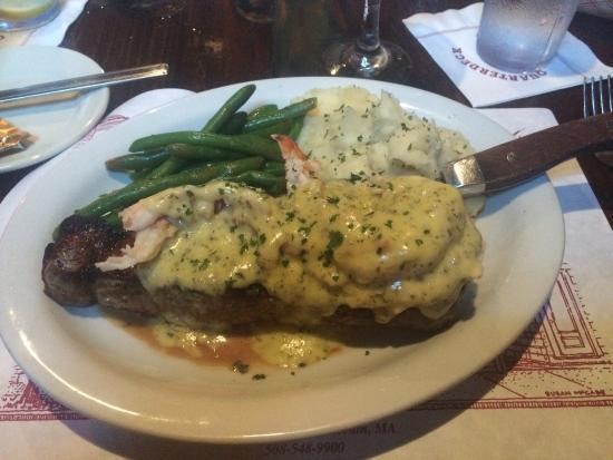 Quarterdeck Restaurant: Great presentation of fabulous food.