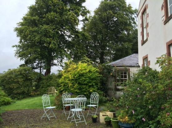 Broomhill House B&B: The terrace