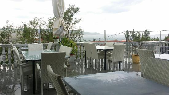 Jasenice, Kroatien: лёгкий дождик