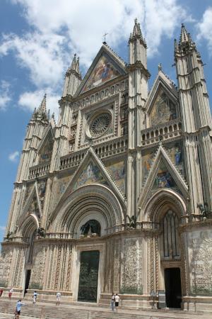 Villa Acquafredda: Facciata del Duomo