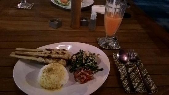 Warung Blanjong : Ayam lilit