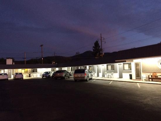 Highlander Motel: Entrada