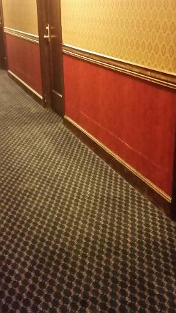 Penn Wells Hotel & Lodge: Disgusting place