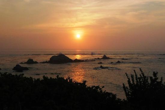 Oceanside Beachfront RV Resort: Cape Arago sunset