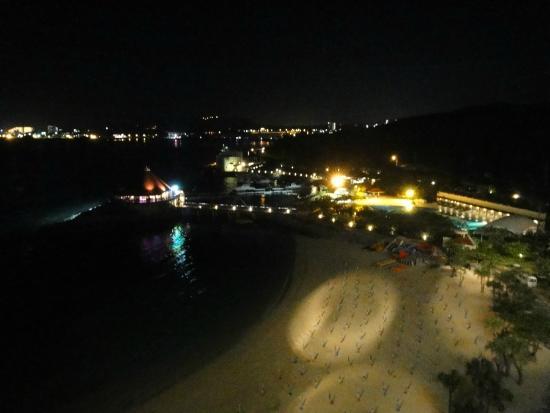 Renaissance Okinawa Resort: 夜